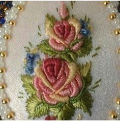 new brazilian embroidery patterns Rose Embroidery, Silk Ribbon Embroidery, Embroidery Hoop Art, Hand Embroidery Patterns, Cross Stitch Embroidery, Embroidery Supplies, Bordado Floral, Brazilian Embroidery, Needlework