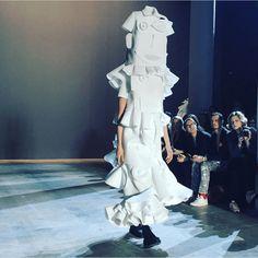 Viktor & Rolf couture Fashion show Spring Summer 2016 Paris | Trendbubbles.nl