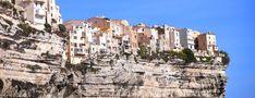 Carigami vous emmène à la découverte de Bonifacio, pour un petit tour de la pointe Sud de la Corse et des merveilles dont elle regorge... Magazine, New York Skyline, Tour, Travel, Vacation, Bead, Viajes, Magazines, Destinations