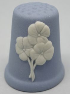 Violet-February. 2004. Wedgwood Thimble. Blue Jasperware and white relief. Thimble-Dedal-Fingerhut.