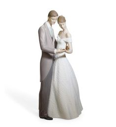 LLADRO - TOGETHER FOREVER... have this one.. Uncle Bob got it for enagagement gift <3