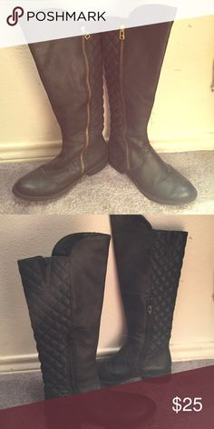 Black boots Black boots quilted like material on back gold zipper in perfect condition only been worn once made of leather Northsde Shoes Combat & Moto Boots