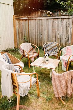 If you're planning a baby shower for your boho friend's baby, you have to read this post today. Add a sweet dose of sunshine to every mom-to-be with our charming bohemian baby shower decor ideas! Backyard Baby Showers, Summer Backyard Parties, Backyard Patio, Backyard Ideas, Garden Ideas, Wedding Backyard, Modern Backyard, Bohemian Baby, Bohemian Decor