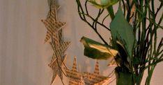 Nu kittlar det i fingrarna att börja med julpyssel... Så lite blev det pysslat idag... En krans med stjärnor fastlimmade på en järntrådpr...