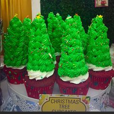 Christmas Tree Cupcakes #buttercupbungalow #christmasspecial