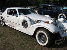 Wintage car for a Gatsby style wedding