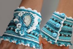 Marine crochet bracelet in white and turquoise with by ellisaveta