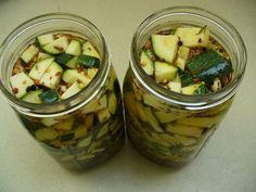 Mason Jar Size: 32 oz Ingredients:  2 cups zucchini, thinly circular sliced 1 small red onion, thinly sliced 3-4 garlic cloves 1 teaspoon ginger, grated 2 cups