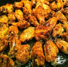 ALITAS DE POLLO AL HORNO SIN ACEITE. RECETA PASO A PASO http://www.cocina-casera.com/2011/11/alitas-de-pollo-al-horno-receta-paso.html Vía: @cocinacasera1