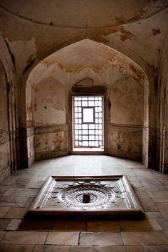 Red Fort , Old Delhi , India .