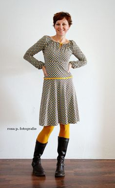 herbst gold - Another! Yellow Aesthetic Pastel, Neon Aesthetic, Aesthetic Vintage, Yellow Tights, Stitch Fix Dress, Old Shirts, Workwear Fashion, Got The Look, Textiles