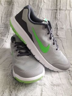 a147df7d8d94 Original NIKE Boys Flex Experience Youth Grey Green Shoes Sneaker 6.5Y  BRAND NEW