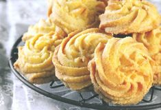 Passion cream and coconut biscuits - HQ Recipes Biscuit Cookies, Biscuit Recipe, Yummy Cookies, Sugar Cookies, Baking Recipes, Cookie Recipes, Dessert Recipes, Desserts, Baking Ideas