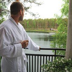 """Rokua Health & Spa Hotel (@rokuahealthspa) Instagramissa: """"Nauti ja rentoudu Rokualla 💚 Siinä parhaassa seurassa 🤗 Kenet sinä ottaisit luksuslomalle mukaan?…"""" Wellness Spa Hotel, Hotel Spa, Spa Day, Finland, Environment, Health, Instagram Posts, Nature, Naturaleza"""