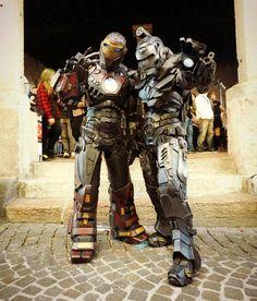 Ultimate Iron Man and War Machine cosplay