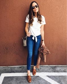Casual Style. Brown Backless Loafers. Cognac loafers outfit. White tee and jeans outfit. T-shirt and jeans outfit. Classic style. Casual chic outfit. Tan suede jacket outfit