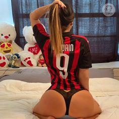 🔴⚫ - - - Send me your 📸 photo in a club t-shirt Direct 📩 - - -… Claudia Romani, Ac Milan, Boudoir Photos, Your Photos, Fangirl, Club, Lady, T Shirt, Instagram