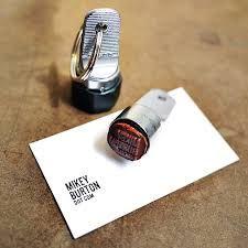 http://www.stempelfabriek.nl/stempelkussens-und-accessoires/standaard-stempelkussens.html  http://www.stempelfabriek.nl/stempels/hand-stempels/rond/handstempel-o18-mm.html