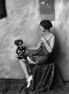 Lila Lee and flapper boudoir doll 1920's
