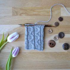 Crochet Socks, Knitting Patterns, Crocheting, Slippers, Crochet, Knit Patterns, Slipper, Knitting Stitch Patterns, Knits
