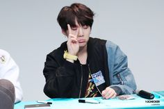 [HD] 161026 BTS Incheon Fan Signing © 1-2 Checker  #Suga #MinYoongi #MinPd Dream... Hope... Keep going ・・・・・☆