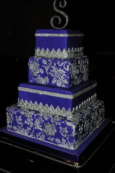 Royal Blue and silver Wedding Cake - Wedding Inspirations