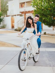 16 Sweet Couple Poses for Your Wedding Day Cute Couple Poses, Couple Picture Poses, Couple Posing, Cute Couples, Wedding Couple Pictures, Cute Couple Pictures, Wedding Couples, Wedding Poses, Wedding Dresses