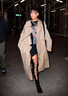 babyimtoofine: celebsofcolor: Rihanna out in NYC IG:
