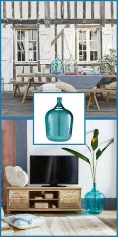 """Mobilier pour le jardin qui """"fonctionne"""" aussi à l'intérieur ! Un vase Dame-Jeanne en verre teinté bleu style bohème . Cliquez sur l'épingle pour découvrir d'autres accessoires et meubles outdoor qui vont aussi très bien indoor ! #astuce #jardin #mobilier #maisondumonde"""