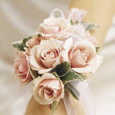 bridal_wrist_corsage_3