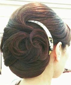 Bun Hairstyles, Pretty Hairstyles, Wedding Hairstyles, Updo Styles, Hair Styles, Hair Arrange, Japanese Hairstyle, Wedding Hair Inspiration, Hair Reference