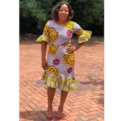 African Print Clothing, Short Sleeve Dresses, Dresses With Sleeves, African Fashion, Dress Skirt, Creative, Skirts, Clothes, Formal Skirt