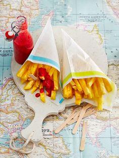 Ananas-Fritten mit Himbeer-Ketchup