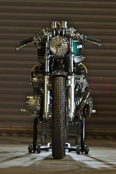 Kawasaki KZ830 Cafe Racer Turbo by Magnum Opus Custom Bikes #motorcycles #caferacer #motos | caferacerpasion.com