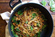 Noodles με λαχανικά και σόγια σως | Jenny.gr