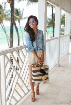 Уличная мода: 15 аутфитов для прогулок по пляжу и набережной от модных блогеров