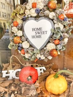 Őszi kopogtató / Autumn Door Wreath Diy And Crafts, Sweet Home, House Design, Wreaths, Table Decorations, Fall, Vintage, Home Decor, Autumn