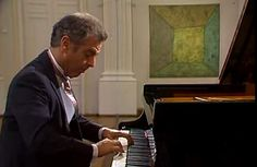 Daniel Barenboim plays Wolfgang Amadeus Mozart's Piano Sonata No. 10 in C major, K 330 (300h), one of the three works in the cycle of piano sonatas K.330-332.