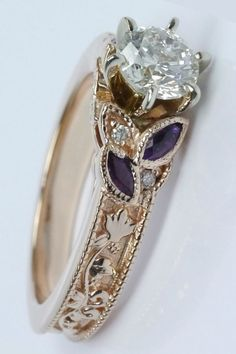 http://rubies.work/0330-sapphire-ring/ Gorgeous antique style...