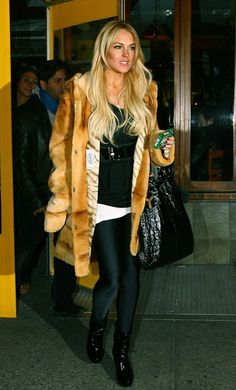Lindsay Lohan Photos Photos: FILE PHOTO: Lindsay Lohan, who will reportedly be charged with felony grand theft today, seen here wearing the brown fur coat she was sued for stealing back in 2008 Brown Fur Coat, Lindsay Lohan, Rachel Mcadams, Katy Perry, Style Icons, Celebs, Celebrities, Pop Culture, Tara Reid