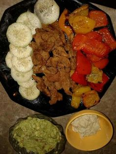 Yessssss it goes down in htown... oyster mushroom in spelt. Roasted peppers and cucumbers.. alkaline avocado and hummus