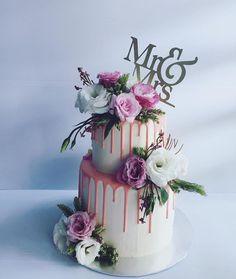 Wedding Cake Rustic, Elegant Wedding Cakes, Beautiful Wedding Cakes, Wedding Cake Designs, Beautiful Cakes, Birthday Cake With Flowers, 16 Birthday Cake, Wedding Cakes With Flowers, Green Wedding Decorations