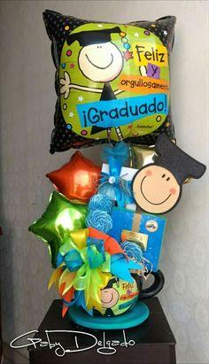 Grad gift Happy Graduation Day, Diy Graduation Gifts, Kindergarten Graduation, Graduation Decorations, Liquor Bouquet, Candy Bouquet, Birthday Candy, Happy Birthday Balloons, Graduation Bouquet