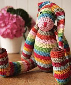 Google Image Result for http://1.bp.blogspot.com/_iOYQUgwFR5M/TMX5S0Mx3HI/AAAAAAAACF4/8J36qNvd4Pk/s640/zoom_Stripy_Crocheted_Bunny.jpg