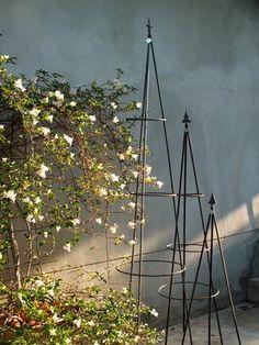 PKEK Quality of life - TREBEN KLÄTTRA Topiary, Outdoor Gardens, Sweden, Landscape, Nature, Plants, Life, Obelisks, Garden Decorations