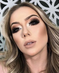 Maquiagem festa, maquiagem profissional, make festa, make noite, maquiagem noite Blue Makeup, Diy Makeup, Makeup Inspo, Makeup Inspiration, Makeup Goals, Beauty Makeup, Makeup Ideas, Diy Wedding Hair, Wedding Makeup