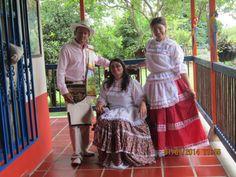 trajes tipicos de colombia chapolera