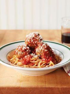 Drew Barrymore spaghetti & meatballs recipe  http://greatideas.people.com/2014/01/30/drew-barrymore-spaghetti-meatballs-recipe/