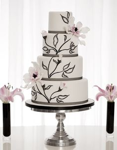 Wedding Cakes   Black + white floral design