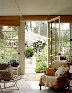 Amazing windows and glass door leading into the garden and letting in a lot of light